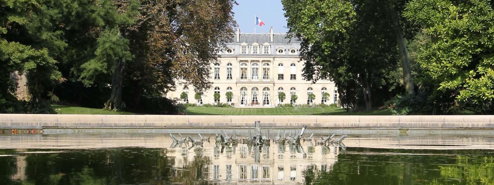 Le palais de l'Elysée vu depuis ses jardins