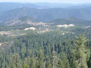 Gold County, vue depuis la Route 20 à l'est de Nevada City.