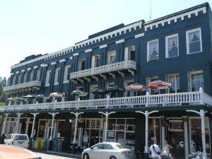 Nevada City, le National Hotel, en bas de Broad Street - Auteur : Nicolas Glowacki
